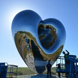 Mirror Polished Heart Shape Stainless Steel Sculpture